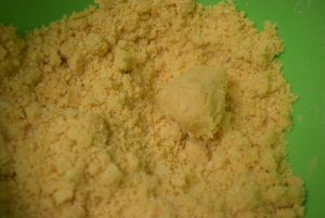 Crumbly dough